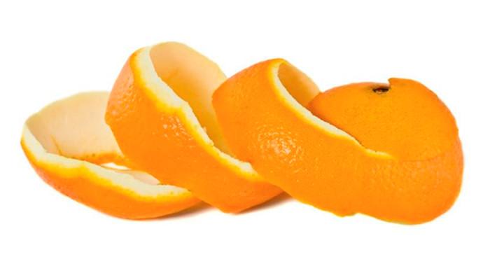 Piel de naranja para eliminar pulgas